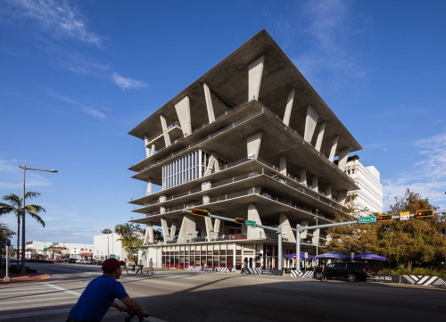 Lincoln-Road-by-Herzog--de-Meuron.jpg