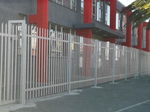 An-industrial-installation-of-our-2.1m-high-bolt-together-palisade-system-1.jpg