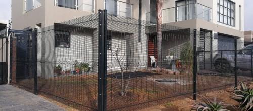Betaview-fence-photos-2-e1542360743302-1.jpg