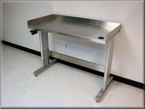 bench-i107p-SS-03-curbs.jpg