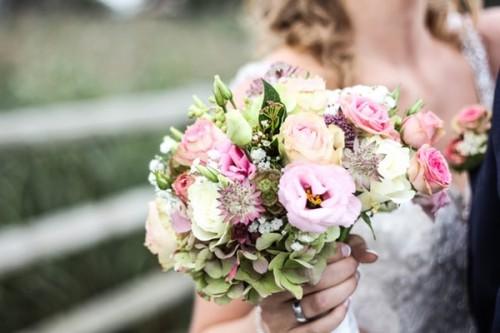 Finding-the-Best-Wooden-Flowers-Bouquet.jpg