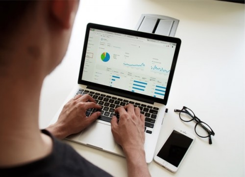 Reasons-to-Consider-Broker-CRM-Software-for-Growing-Your-Business.jpg