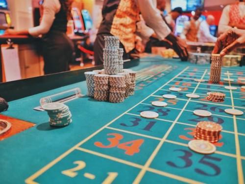 How-to-Choose-Between-the-Best-Online-Casinos.jpg