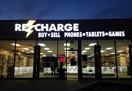 Recharge Electronics  Dallas Ft. Worth's Best Location For Buying And Selling iPhones, iPads, Apple Watches, Samsung Phones and Video Games. Buy back for great prices.  Address: 5957 Alpha Road, Dallas, TX 75240, USA Phone: 469-364-8760 Website: https://rechargeelectronics.com