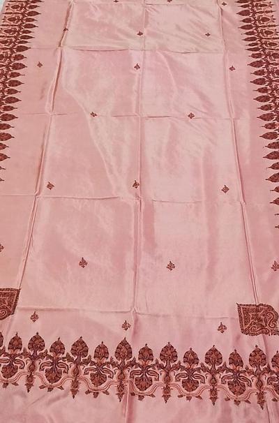 LWPS1K4IK1022206_Pink_Hand_Embroidered_Sozni_Kashmiri_Pure_Silk_Saree_400x.jpg