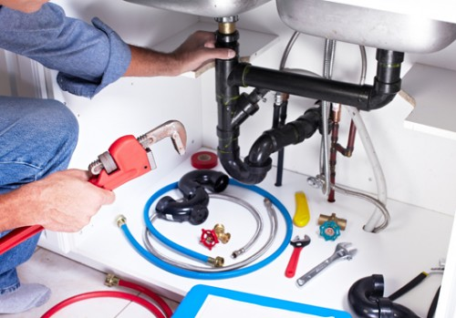 To handle all types of uncertain plumbing issues in an appropriate manner, simply hire the services of an experienced plumber Hawaii. SMART Plumbing Hawaii will take care of your sinks, drains, and pipes to rectify any problem that may have arisen. Please visit the website to know more or call us at (808)393-9296 to schedule services today.  https://plumbinghawaii.com/