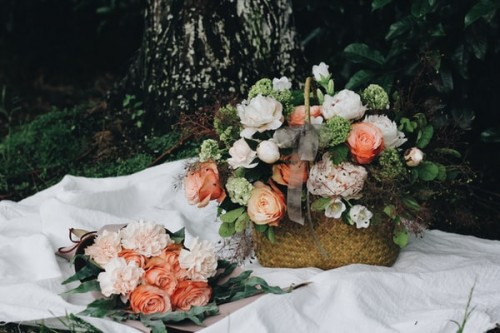 Why-Are-Wood-Flowers-Suitable-for-Funerals.jpg
