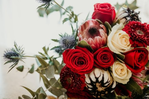 Why-Should-You-Consider-Ordering-Wood-Flowers-Wholesale.jpg